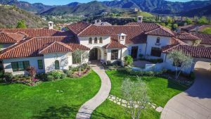 11 Celebrity homes still for sale that can be yours for the taking
