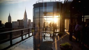 Manhattan real estate stabilizes as prices come down