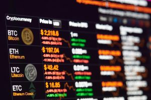 Bitcoin and Crypto on Continuous Decline: Major Factors and Trends
