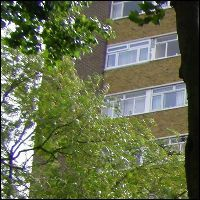 Who keeps the money where a years rent is paid in advance – the landlord or the agent?