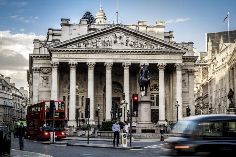 Bank of England committee votes to keep interest rates paused