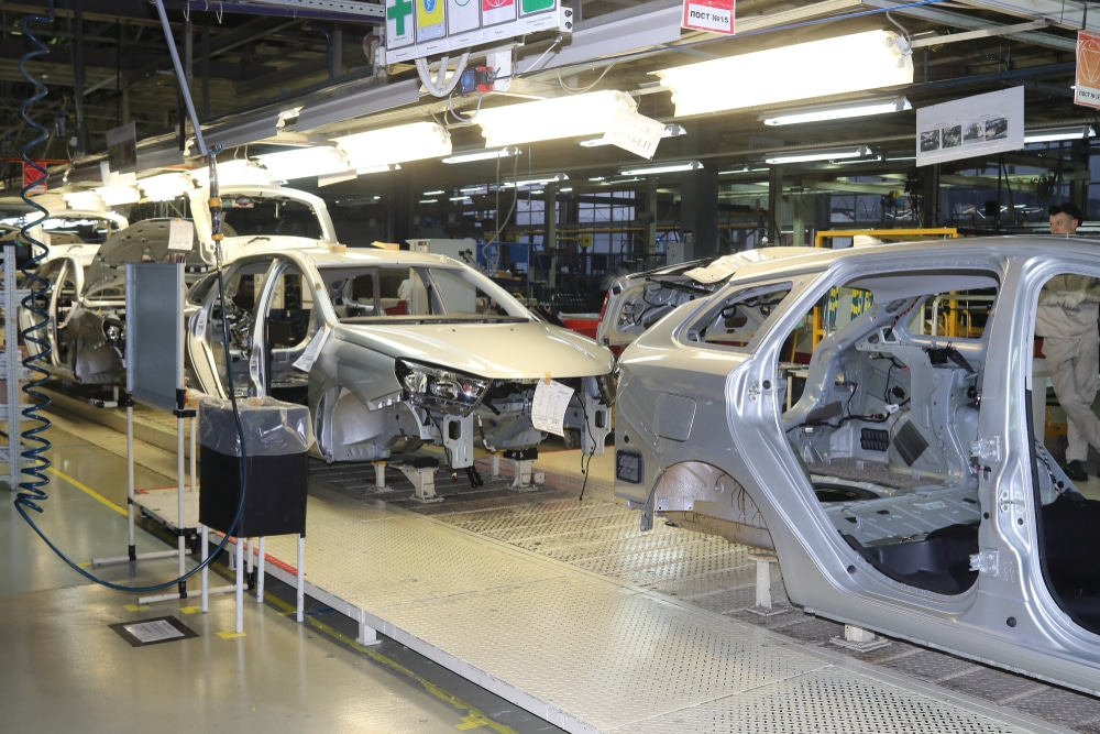 Shutdown of car manufacturers expected to cost more than $100bn